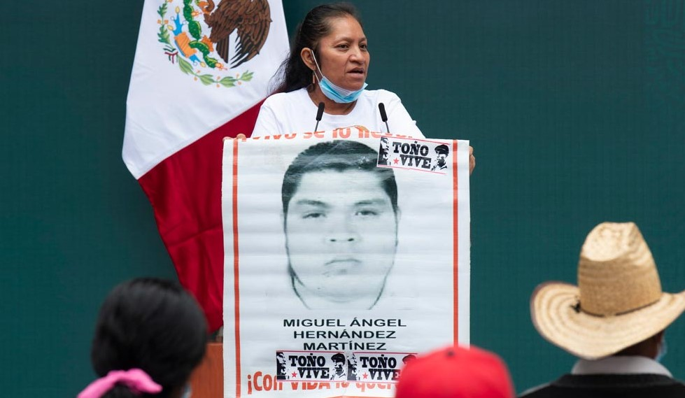 María-Martínez-Zeferino-madre-de-uno-de-los-desaparecidos-de-Ayotzinapa.jpg